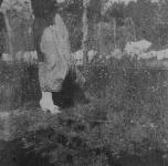 Emma in giardino (profilo)