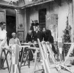 1935  Palazzo alla Giornata. Al lavoro  per il Gioco del Ponte. Da sinistra: 1° il pittore Eugenio Sementa, 3° Ferruccio, 5° ing. Ranieri Fiaschi, 6° il pittore Nello Gentilini